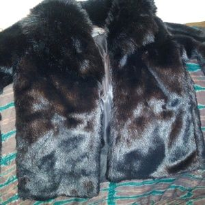 Coat faux fur